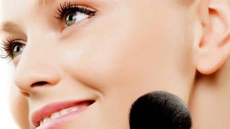 Corrige imperfecciones con tu maquillaje. Parte II